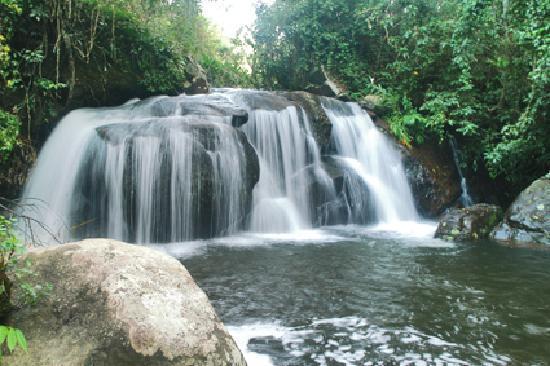 Mangaratiba, RJ: Cachoeira na Serra do Piloto