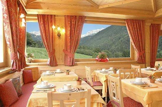 Sant'Antonio di Mavignola, Italia: stanza della colazione