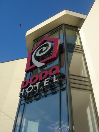 Dodo Hotel: Main entrance