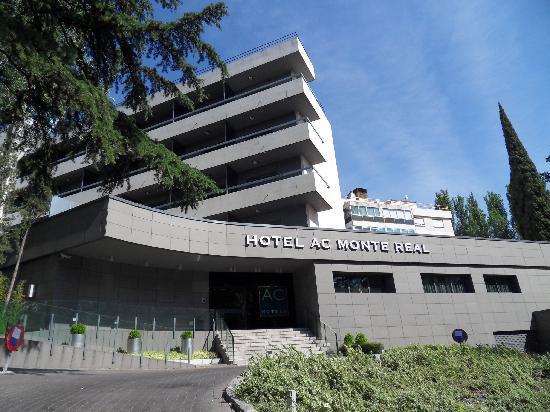 Hotel Eurostars Monte Real: Hotel entrance