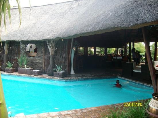 Hans Merensky Hotel & Estate: Lapa over the pool