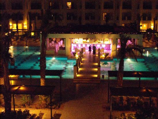 Jaz Crystal Resort: pool bar