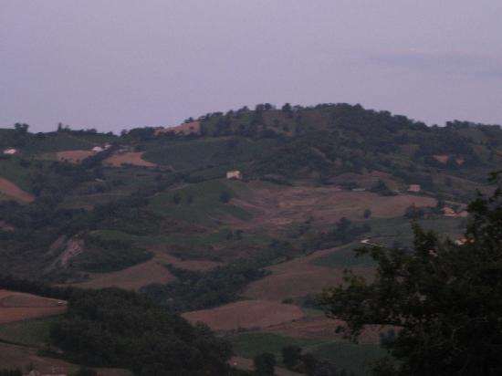 Amandola, Italië: more lovely views