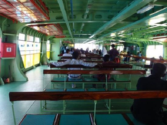 Butterworth, Malasia: 船内の風景