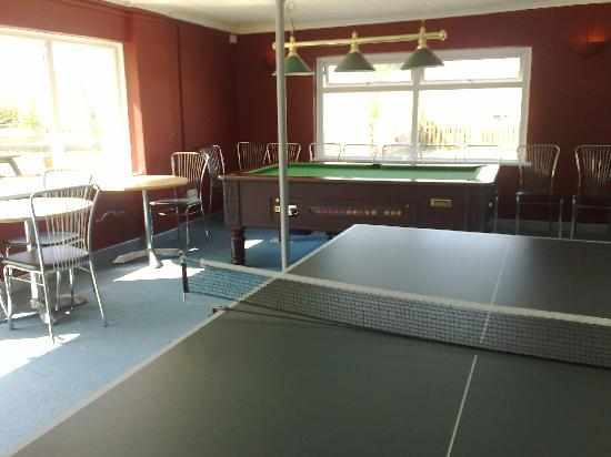 The Pentire Hotel: Pool table and table tennis