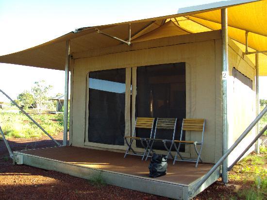 Karijini Eco Retreat: front of tent