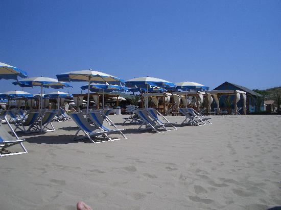 Cosmopolitan Golf & Beach Resort: Beach club