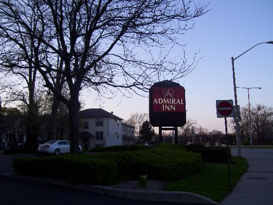 Admiral Inn Hamilton: well located hotel