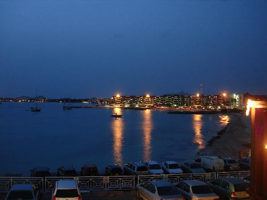 Bel Mar Grill: view of harbor from restaurant