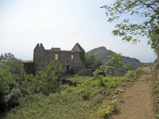 Agerola, Italien: Abandoned House