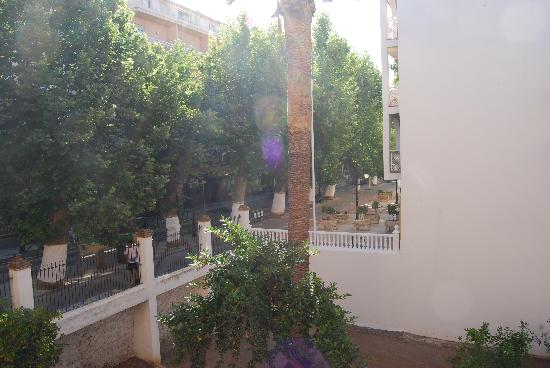 Andalucia Hotel: View from our balcony onto the street