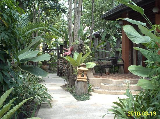 Polina Park Hotel : Blick in die Anlage