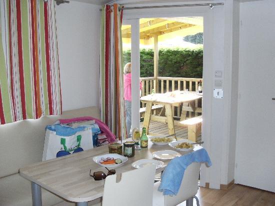 Camping Sandaya la Côte de Nacre : Inside chalet