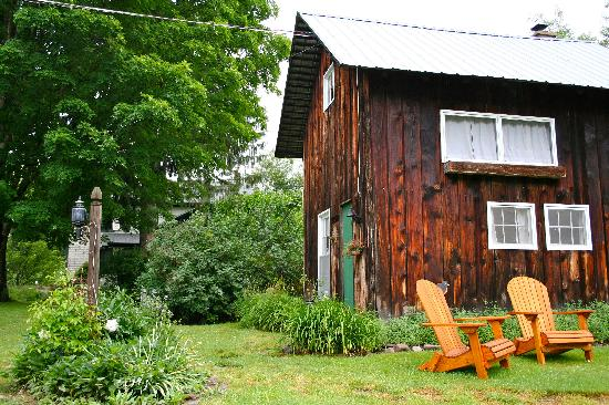 Morgan Century Farm: Romantic Cottage for two