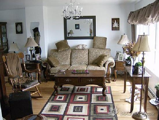 Stubbert's Bed and Breakfast: You will be greeted into a comfortable cosy family atmosphere with 17 years of experience.