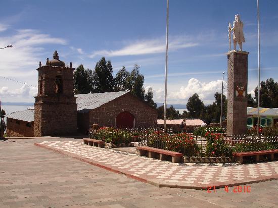 Isla Amantani, Peru: Plaza auf Amantani
