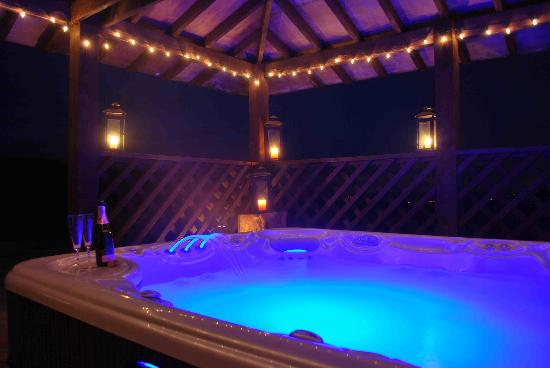 Ballyduff, Ireland: Fantastic Hot Tub  'After Dark'