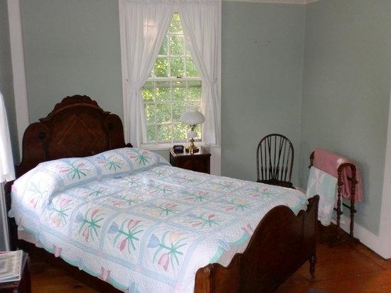 Bird's Nest Bed & Breakfast: Bedroom