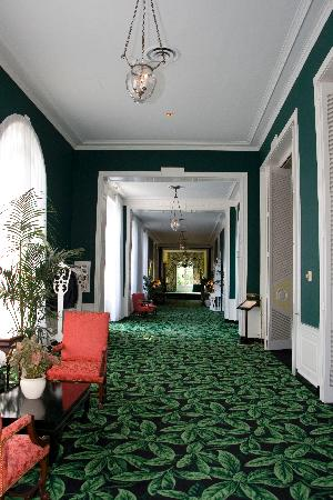 The Greenbrier: Hallway to Main Dining Room