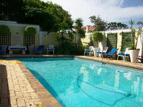 Margate Place Guest House: Pool Area