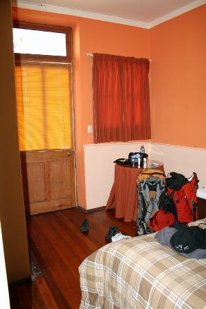 Casa de Avila - For Travellers : More of our room!