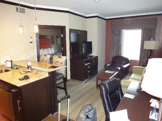 StayBridge Suites DFW Airport North: Wohnzimmer