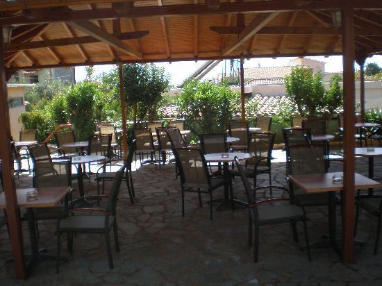 Lefktron Hotel: Breakfast area