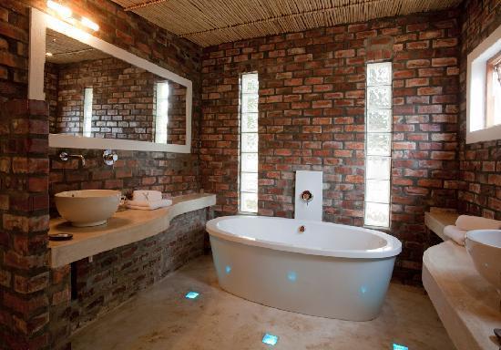 Fraai Uitzicht 1798: Superior Garden Suite Bathroom