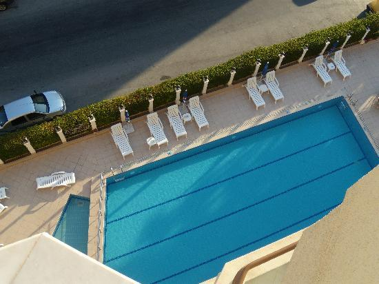 Palm Hotel : vue sur la piscine en bas