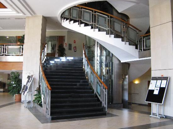 Hotel Intur Orange : escalier dans le hall