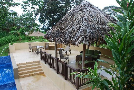 Red Frog Beach Island Resort & Spa: Patio at the villa