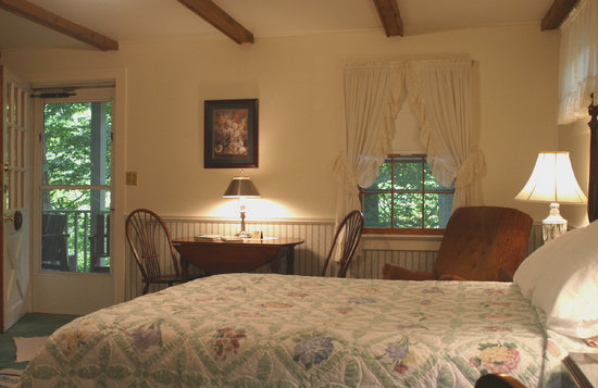 Hickory Bridge Farm Bed and Breakfast: Comforts of home