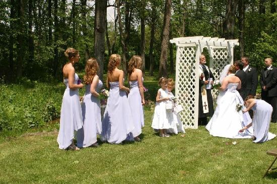Hickory Bridge Farm Bed and Breakfast: Have a beautiful wedding at the farm