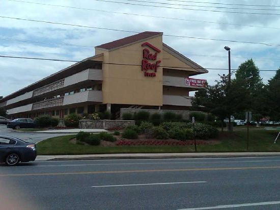 Red Roof PLUS+ Baltimore North - Timonium: Our beautiful property
