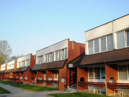 Ljubljana Resort Hotel & Camp: hotel block