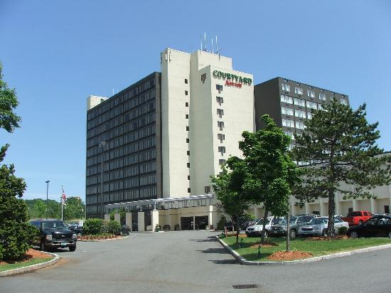 Airport Shuttle Van Picture Of Courtyard By Marriott Boston