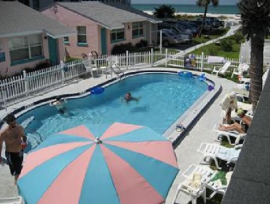 Beach Haven: Pool