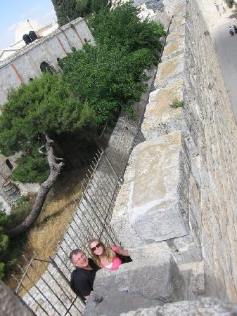 Ramparts Walk: Many ups and down - fun!