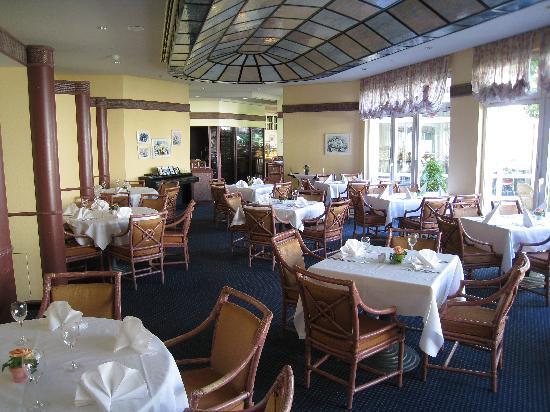 Seminaris Hotel Bad Boll: Restaurant area