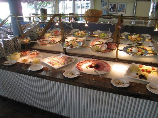 Seminaris Hotel Bad Boll: breakfast buffet