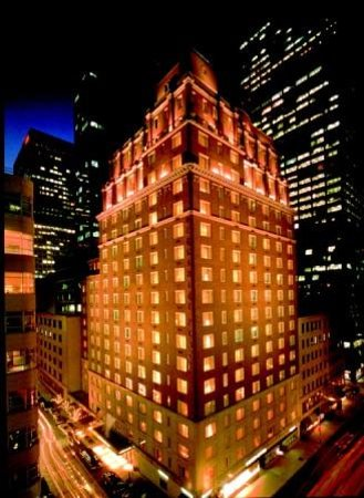 Omni Berkshire Place: Located in the heart of Midtown Manhattan