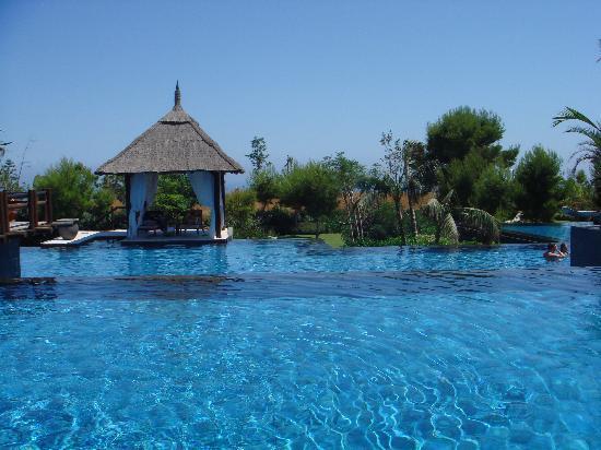 Asia Gardens Hotel & Thai Spa, a Royal Hideaway Hotel : Pool und eigenes Haus für sonenbaden
