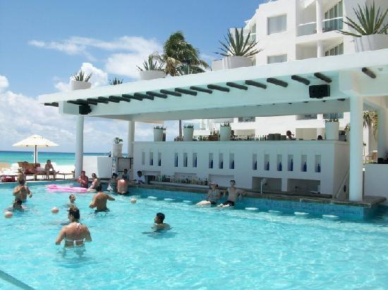 Swim Up Bar Picture Of Playacar Palace Playa Del Carmen