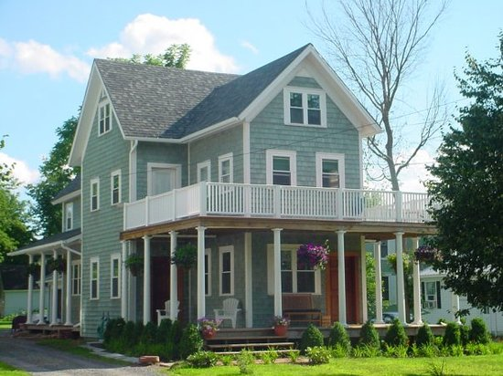 Canton, Nova York: 24 East Main Street B&B
