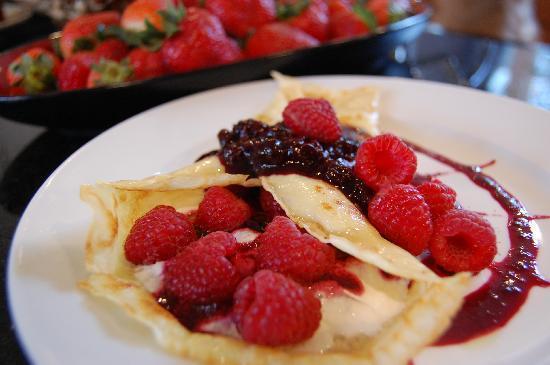 24 East Main Street Bed and Breakfast: One of our many delicious Breakfast options - Berry Crepes