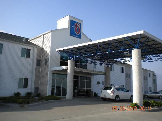 Motel 6 Avoca: Motel 6 exterior