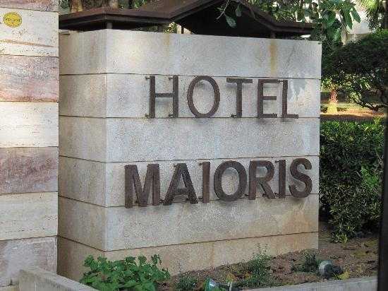 OLA Hotel Maioris: Hotel Entrance