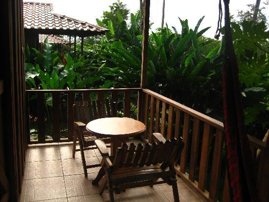 Hotel Rancho Cerro Azul: Table and Chairs on Deck