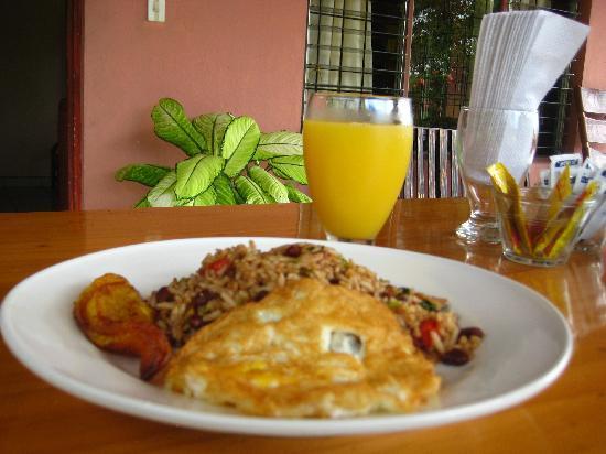Hotel Rancho Cerro Azul: Gallo Pinto!  especially made for us by the Hostess