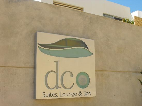DCO Suites, Lounge & Spa: front entrance